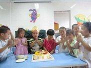黄龙镇:开学第一天宣传扫黑除恶