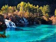 中国最窄的河流:仅20厘米深,最窄的地方只有4厘米宽。