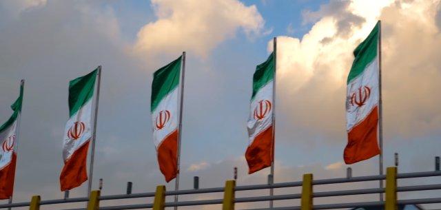 又一石油大国松口!伊朗石油或成功绕开美国,使用人民币欧元结算