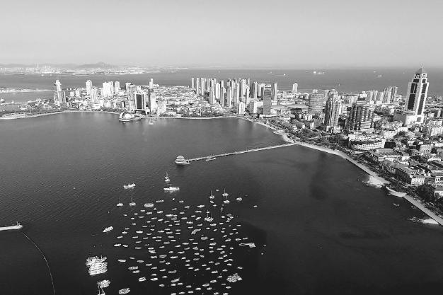 """奥帆基地,是青岛""""山,海,城,湾""""融为一体的标志性景观,主场馆外形设计"""