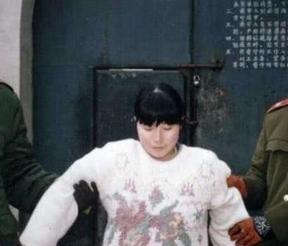 她被称为中国最美女刑犯,因杀死强奸自己的恶霸,她20岁被枪决