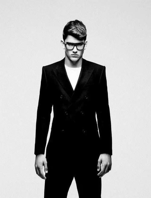 西装怎么穿才最有杀伤力,这是男人一定要懂的穿搭术图片