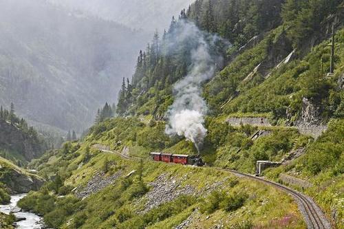 观光火车最美的八条线路-让你领略世界各地风情美景