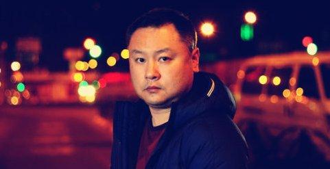 汪小菲发文力挺《上海堡垒》导演滕华涛:他不是甩锅的人