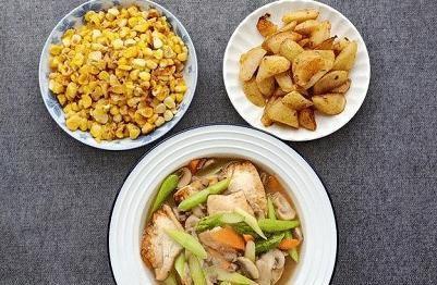 做一顿简单的晚饭,发到朋友圈,朋友评论:还缺只吃饭的老公吗?