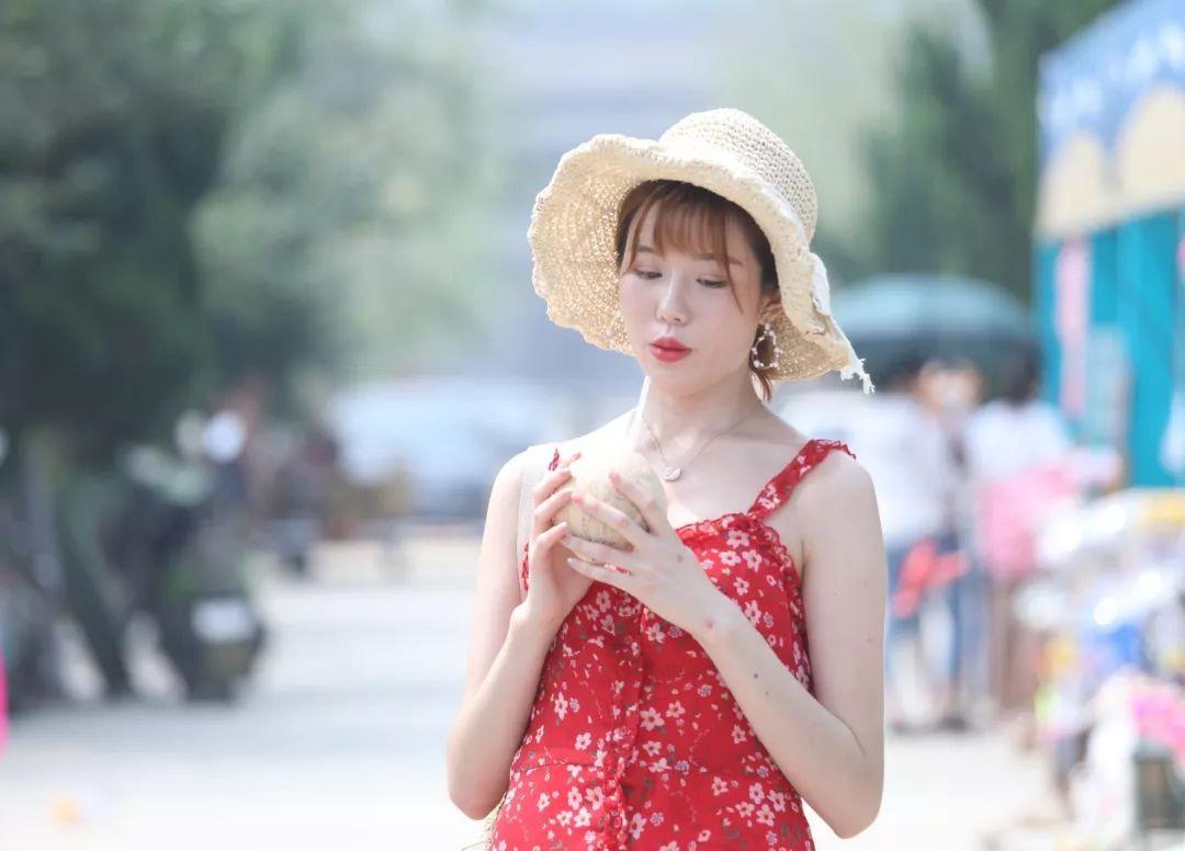 七月的青岛拒绝下词语,萌娃、比基尼有更加选饺子美食的比喻图片