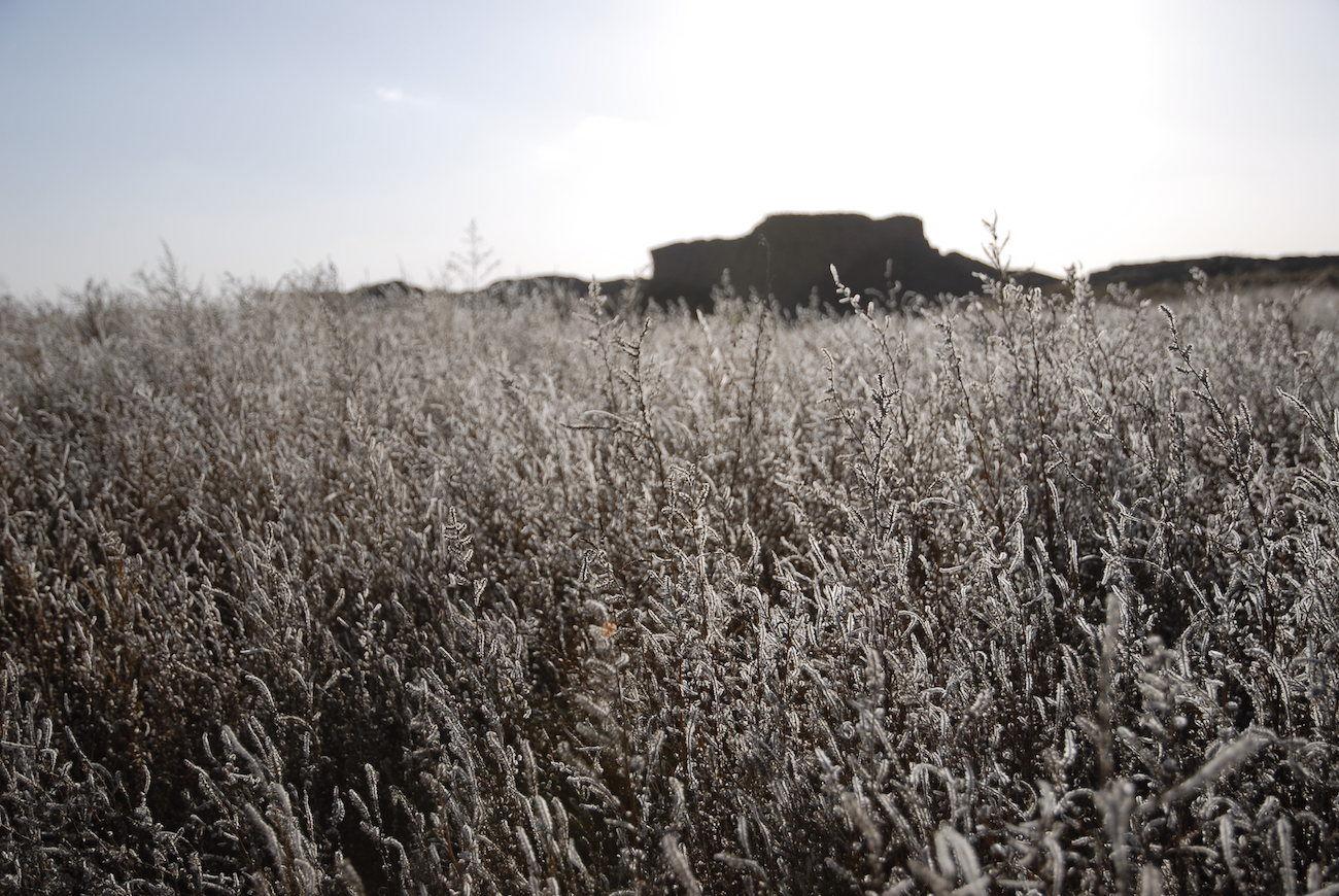 内蒙古阴山以北乌拉特中旗草原深处,有一座新忽热古城,据说就是汉代的