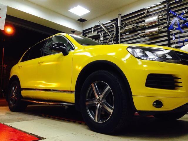大众途锐车身改色贴膜柠檬黄效果图欣赏