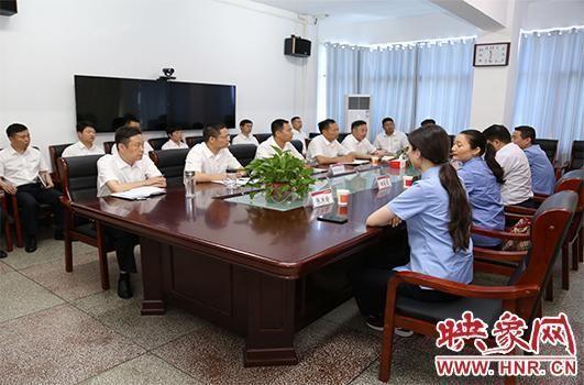 新蔡县检察院送法进企业走进新蔡农商银行