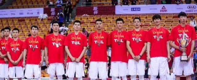 李楠给男篮提六字策略应对欧洲队,很简单,但男篮就是做不到