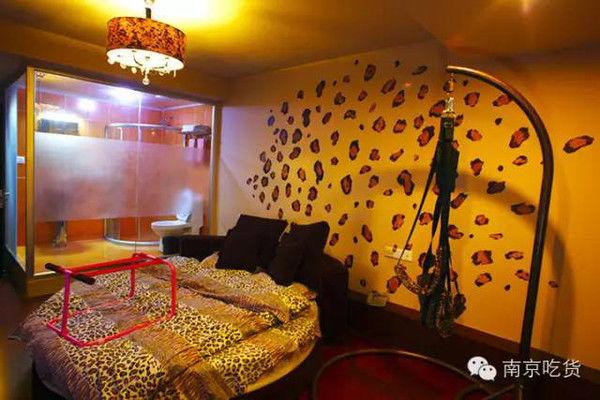 转需!南京10大展会顶级情趣,未满18岁禁止入内酒店情趣2016图片