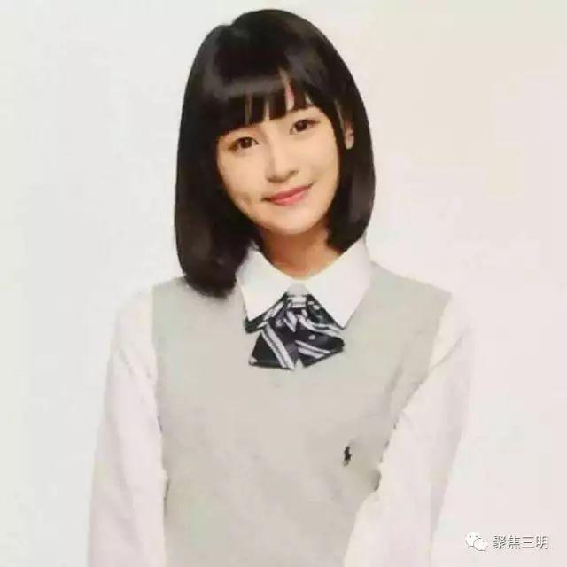 艺考大军不乏众多流量小明星,陈洁怡不畏强手,凭着自己出色的声台,歌