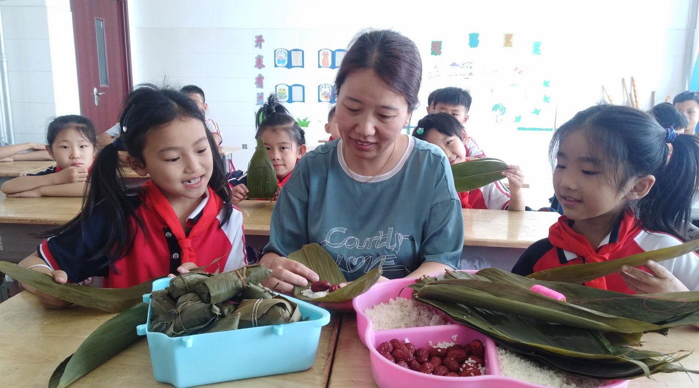 山东:小学生端午包小学读文字追忆屈原450粽子作诗词图片