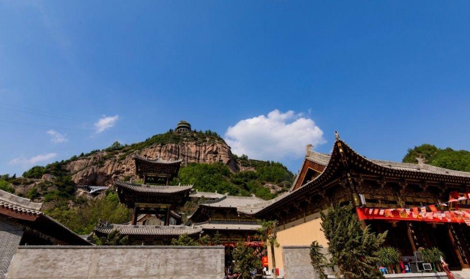宝鸡市九龙山景区 2017年4月28日,宝鸡市九龙山景区正式开园迎客.
