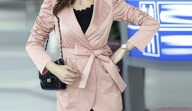 风衣蝴蝶结腰带系法图解 小心思令衣服大变身优雅又美观