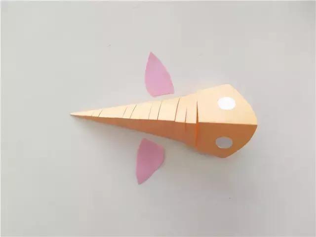 幼兒園手工卡紙制作炫酷的立體魚,有生命的創意手工
