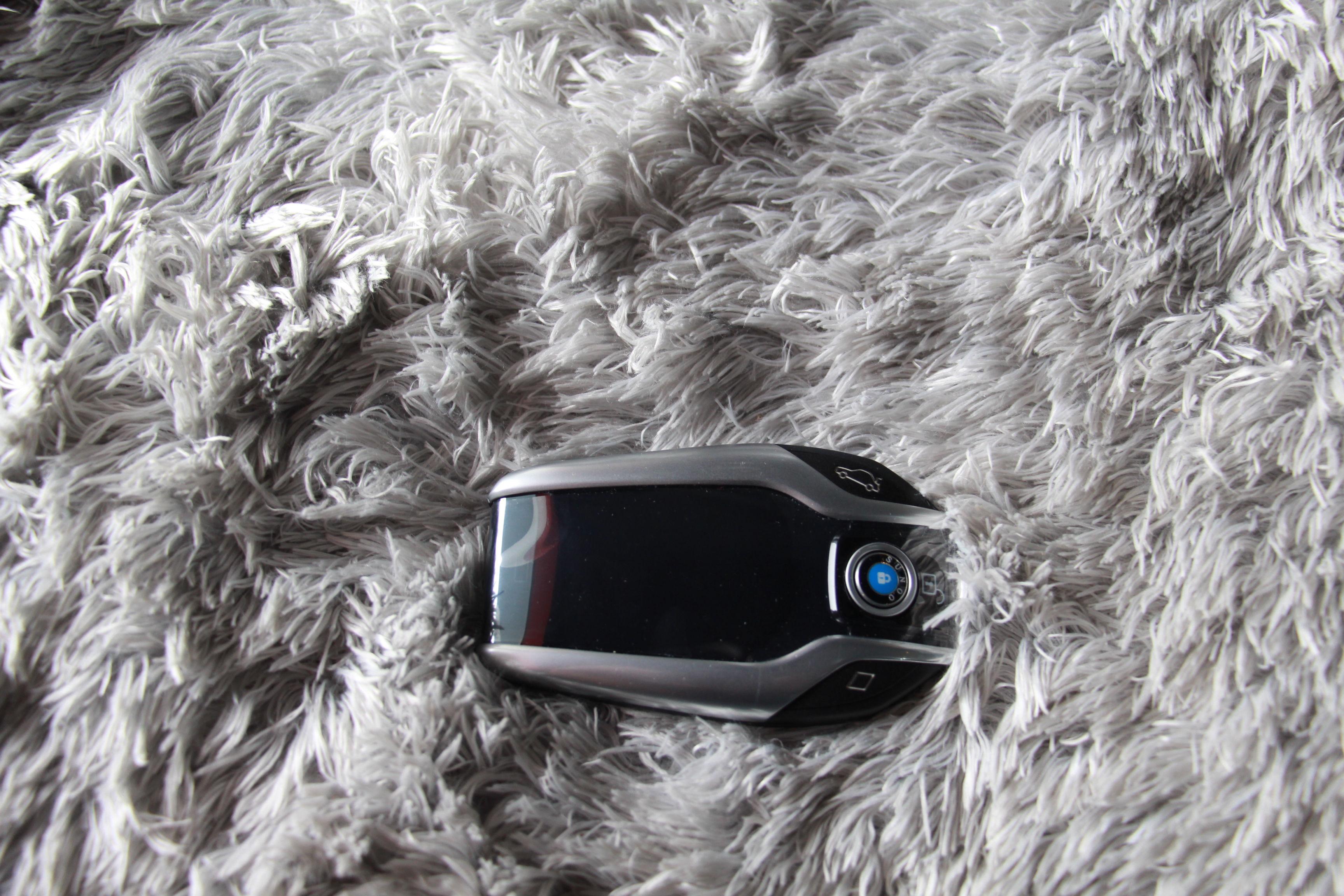 宝马7系改装液晶钥匙