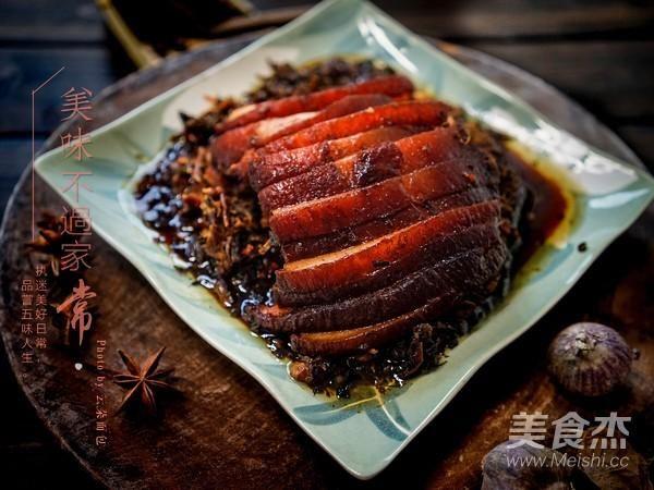 """梅菜扣肉小技巧,告诉你配方和做法,你也能做出""""大厨口味"""""""