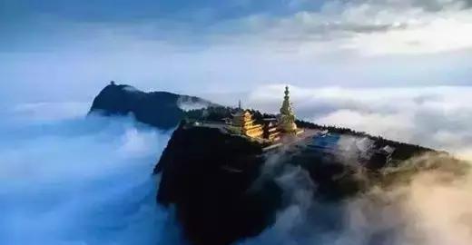 峨眉山: 世界上加持力最大年夜圣地之一