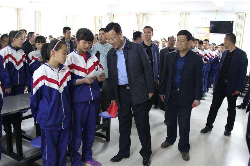 [热文]平凉市组织教育考察团赴河西地区考察学习