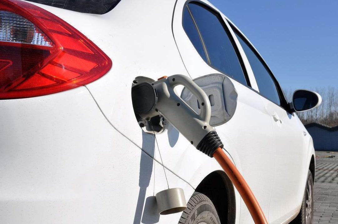 财政部:排量1.6L以下汽车车船税减半\/新能源车