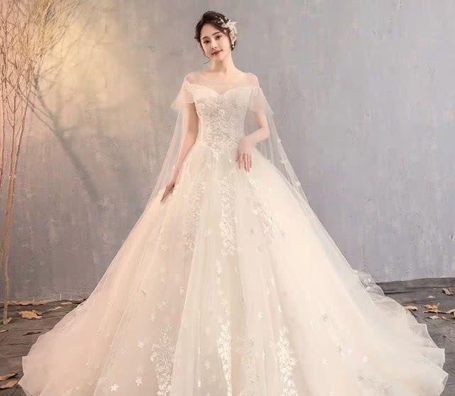 3件婚纱,你最希望穿哪一件结婚?测你们以后能结婚吗