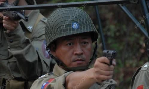 为什么二战期间,各国军队的头盔上都有一层网,而现在却没有了