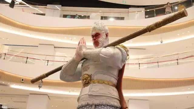 美猴王又在中国火了7米高雕塑突现西安成网红但这次不叫悟空 行业新闻 丰雄广告第3张