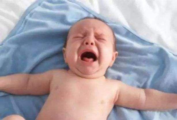 宝宝拒绝吃奶  不妨试一试这5个小方法