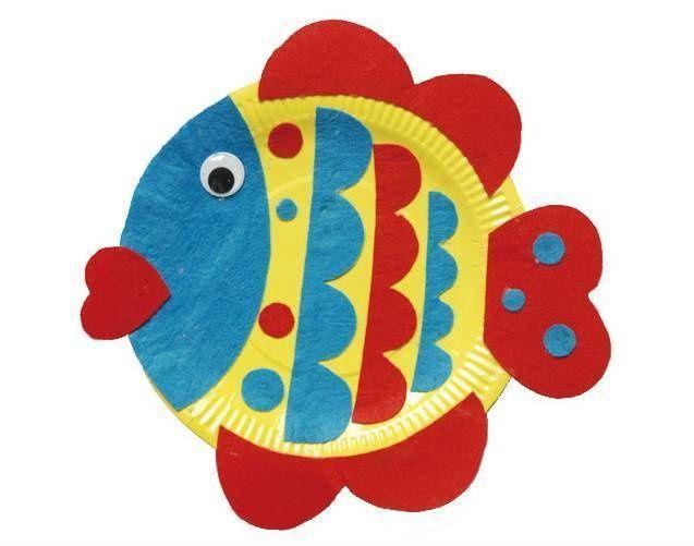 用一张幼儿园常见的蛋糕盘,通过简单的粘贴就可以完成可爱的动物纸盘