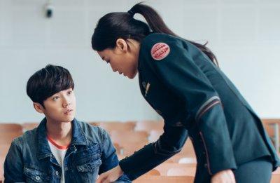 《上海堡垒》牵扯出作者江南,连载受到影响,网友:终于被打醒了