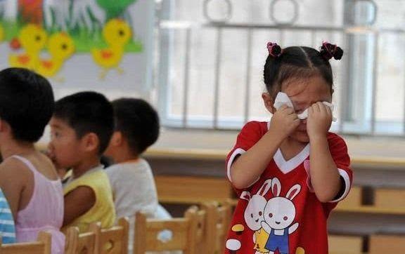 <b>孩子回家后有以下3种表现,有可能是幼儿园受欺负了,家长需注意</b>