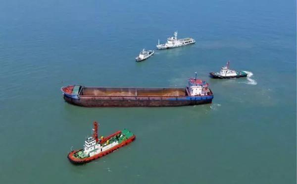 舟山海域4小时25海里围堵过路套牌内河船插翅难逃