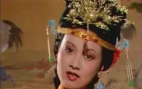 红楼梦:王熙凤的私房钱都用来做什么了?平儿道出真相!