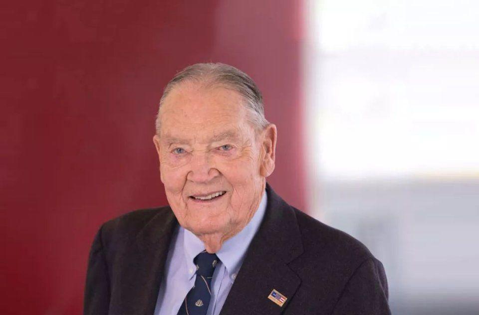 美国国宝级投资大师约翰博格留给后代的三个