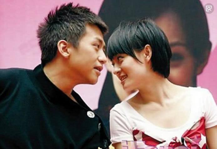 孙俪邓超亲密合影庆祝结婚七周年,两人真是越来越有夫妻相