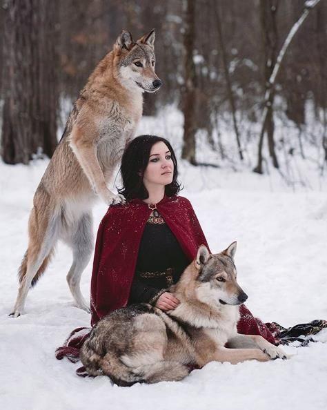 """俄罗斯摄影师,用镜头""""讲述""""童话故事:人和动物的美好和谐"""