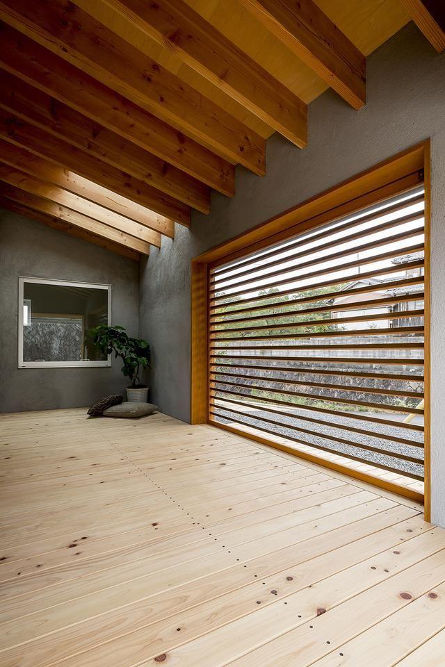 巨大坡屋顶下的木结构loft住宅设计,开放空间中的惬意