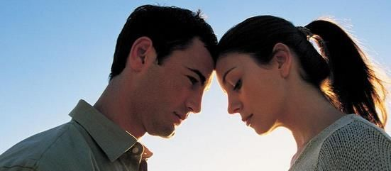 <b>夫妻感情出现矛盾,对视10秒就能揣摩出来</b>