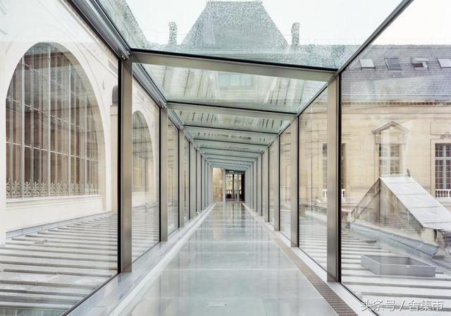 ▼入口大厅与其他空间的连廊,历史与现代相结合