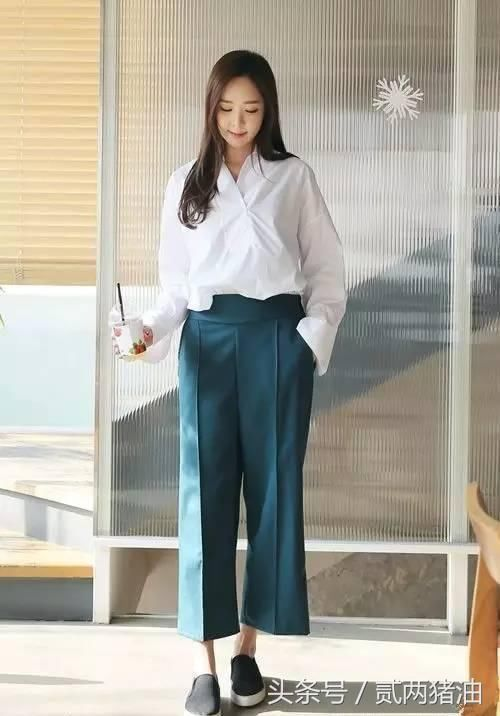 2018年最流行牛仔裤款式,保证走在街上最潮就是你