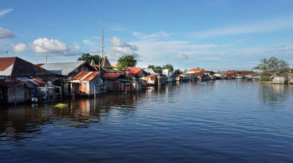加里曼丹岛(印度尼西亚,马来西亚,文莱) 面积:74.3万平方公里