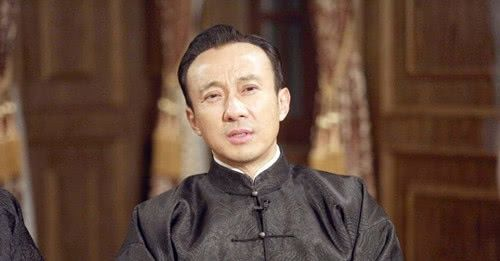 大上海黑帮老大杜月笙,他因何改变人生,生命中最大的贵人又是谁