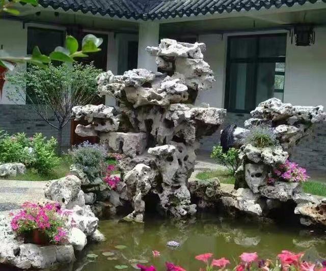 庭院景观中如何设计和营造假山