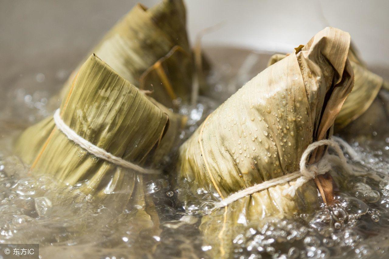 农村包粽子的方法很简单,一学就会
