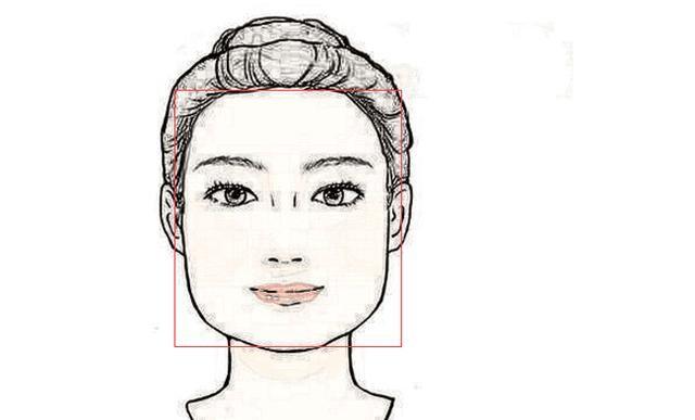 1、田字脸 田字脸,在面相中又称国字脸,之所以称为国字脸,主要是因为其外表特征脸型比较方正,额头宽阔,下巴厚重有肉。若是再加上眼睛上下部位比较的宽阔厚重的话,这种脸型的人,首先看上去会无比的端正,脸部的棱角分明,这种脸型是面相中比较出色的一种面相,为掌权之相。这种人一般工作能力比较出众,心智比较成熟,做事稳重,为人比较正直,非常的有上进心和责任心,工作能力很强,能够获得别人的信任和支持。但是性格方面,处事稍微有些强硬和固执,做事非原则性太强,导致缺乏一些人情味。所以一般人际关系不太好,比较的不合群。但是
