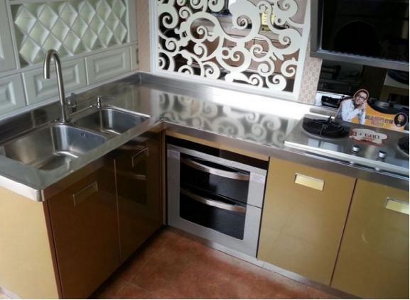 橱柜台面不要铺大理石了,越来越多人都装这种,清洁方便又实用-家居窝