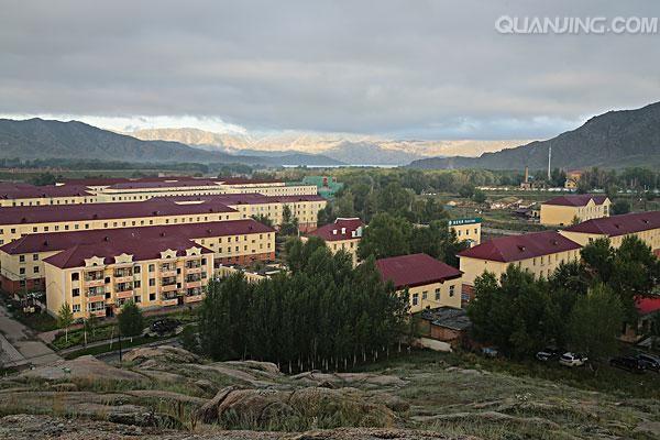 新疆村镇风景高清照片