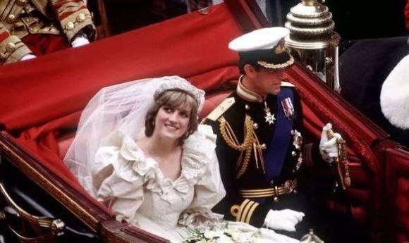 """戴妃,憧憬幸福瘦到腰身仅58厘米,这场婚礼却以""""封口费""""收场"""