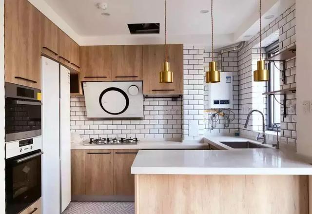 让你家厨房大方又舒适的原木色橱柜,不多了解一下吗?